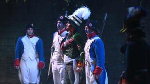 Escena de un espectáculo del parque de atracciones histórico Puy du Fou.