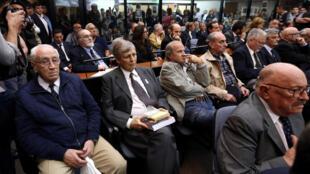 Các cựu quân nhân dưới chế độ độc tài (1976-1983) ra tòa ngày 29/11/2017 ở Buenos Aires.