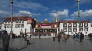 Le temple du Jokhang à Lhassa, au Tibet.