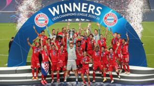 Les joueurs du Bayern Munich, vainqueurs de la Ligue des Champions face au Paris Saint-Germain (1-0), le 23 août 2020 à Lisbonne