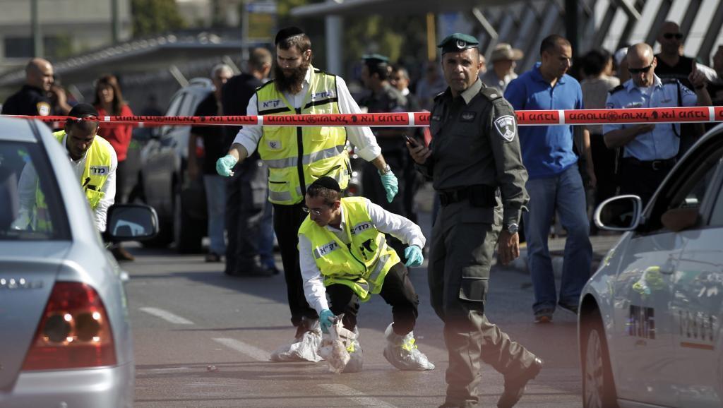 Katika eneo la tukio, ambapo mwanajeshi mmoja wa Israel alishambuliwa katika mji wa Tel-Aviv, Jumatatu Novemba 10.
