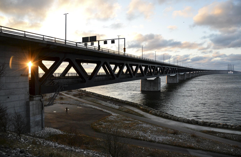 A ponte túnel de Öresund que liga a Suécia à Dinamarca.
