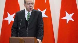 Recep Tayyip Erdogan sera reçu par Donald Trump ce lundi 15 mai à la Maison Blanche.