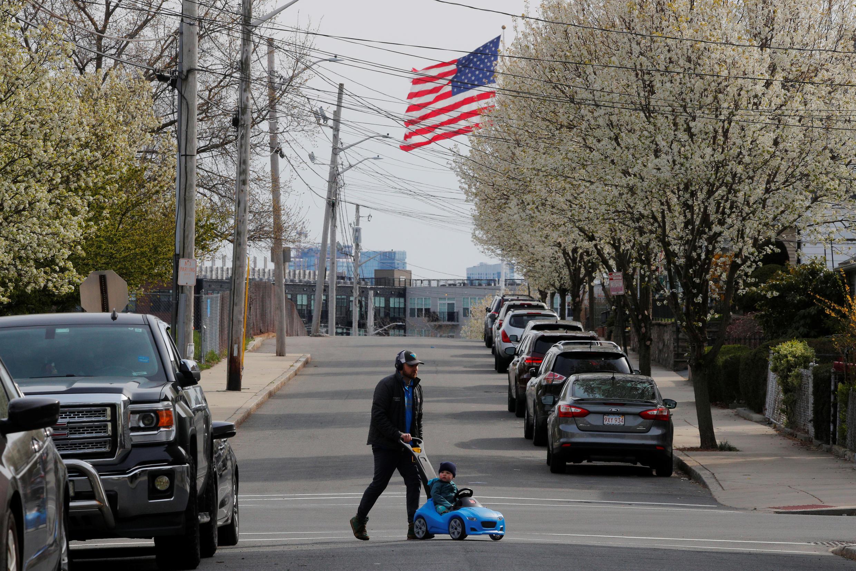Phố vắng thời dịch Covid-19, Chelsea,  Massachusetts, Hoa Kỳ, ngày 17/04/2020