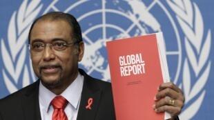 អគ្គនាយកអង្គការ UNAIDS បង្ហាញរបាយការណ៍អេដស៍ឆ្នាំ២០១០