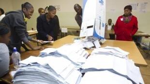 Apuração dos votos da África do Sul