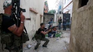 Confrontos ocorreram no bairro sunita de Bab al Tabbaneh.