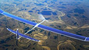 Un drone Titan à énergie solaire.