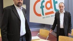 François Chérèque quitte son poste de secrétaire général de la CFDT(G) pour laisser sa place à Laurent Berger (D).