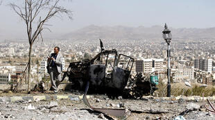 Sanaa, capital do Iémen nas mãos de rebeldes hutis bombardeados pela Arábia saudita