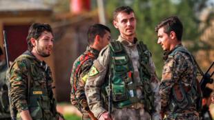 Dakarun Kurdawa (YPG) a arewacin birnin Qamishli watan disambar, 2018.