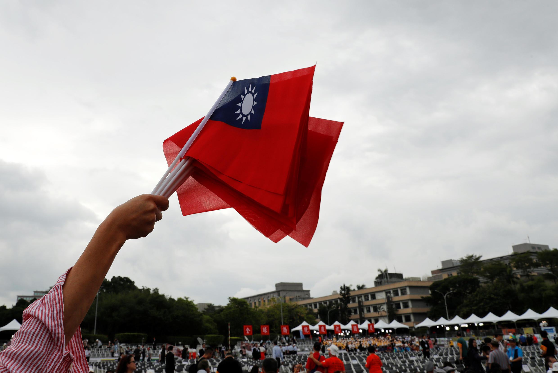 2018年台湾双十节国庆日台北街头舞动的旗帜。