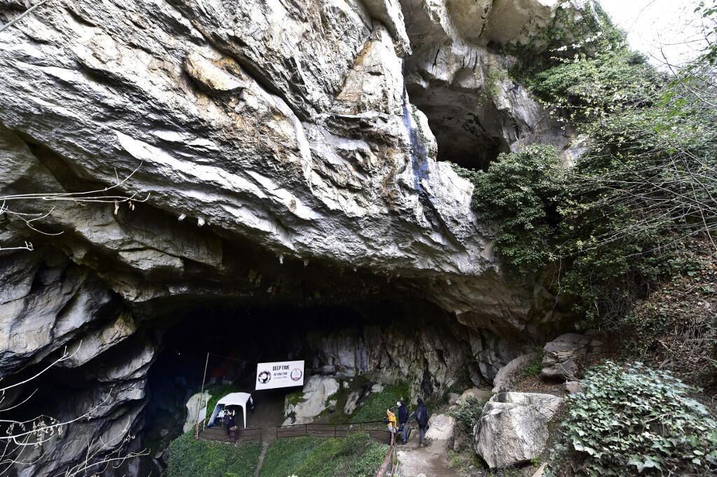 Lombrives cave Ariège