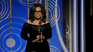 Ngôi sao truyền hình Oprah Winfrey phát biểu sau khi được trao giải thưởng vinh danh toàn bộ sự nghiệp tại lễ trao giải Quả Cầu Vàng lần thứ 75, Beverly Hills, California, ngày 07/01/2018.