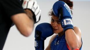 صدف خادم نخستین بوکس باز زن ایرانی است که در یک مسابقۀ رسمی بوکس شرکت میکند.
