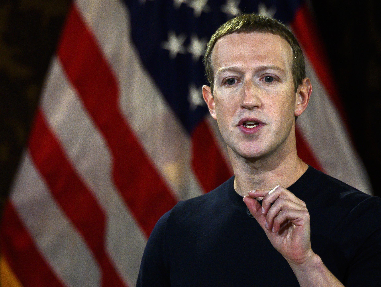 El CEO de Facebook  Mark Zuckerberg genera malestar en su empresa por su postura ante las publicaciones de Trump