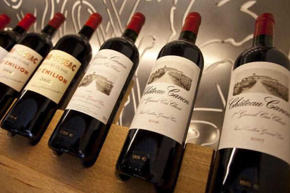 Thị truờng Trung Quốc chiếm một tỷ trọng lớn trong xuất khẩu rượu vang của Pháp (Tim Graham / Gettyimages)