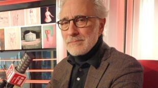 El pintor argentino Fernando X. González en RFI