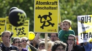 Anti-nuclear demonstration following Merkel's decision to extend life of nuclear reactors
