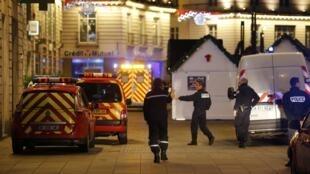 Polícia cerca região central de Nantes, após atropelamento de dez pessoas em um mercado de Natal.