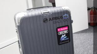 Nova mala possui dispositivo GPS que permite seguí-la através de aplicativo do smartphone.