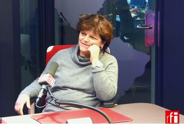 A psicanalista Ana Costa nos estúdios da RFI.