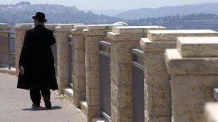 O exército israelense começou a treinar colonos judeus que moram na Cisjordânia.