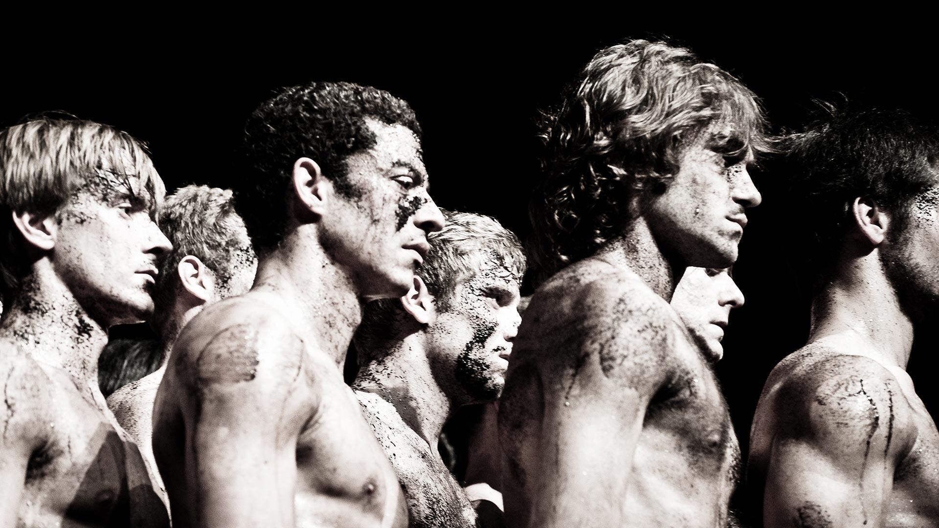 """""""Lễ đăng quang mùa xuân"""" theo nhà biên đạo múa Pina Bausch tại Les Arènes de Nîmes"""
