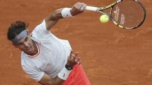 Rafael Nadal durante jogo contra o eslovaco Martin Klizan em Roland Garros.