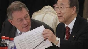 UN Secretary General Ban Ki-moon (R) at the Moscow talks