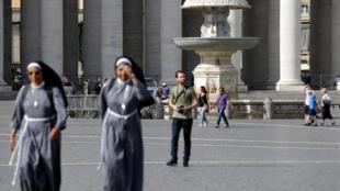 Une des fontaines du Vatican à l'arrêt, le 25 juillet 2017.