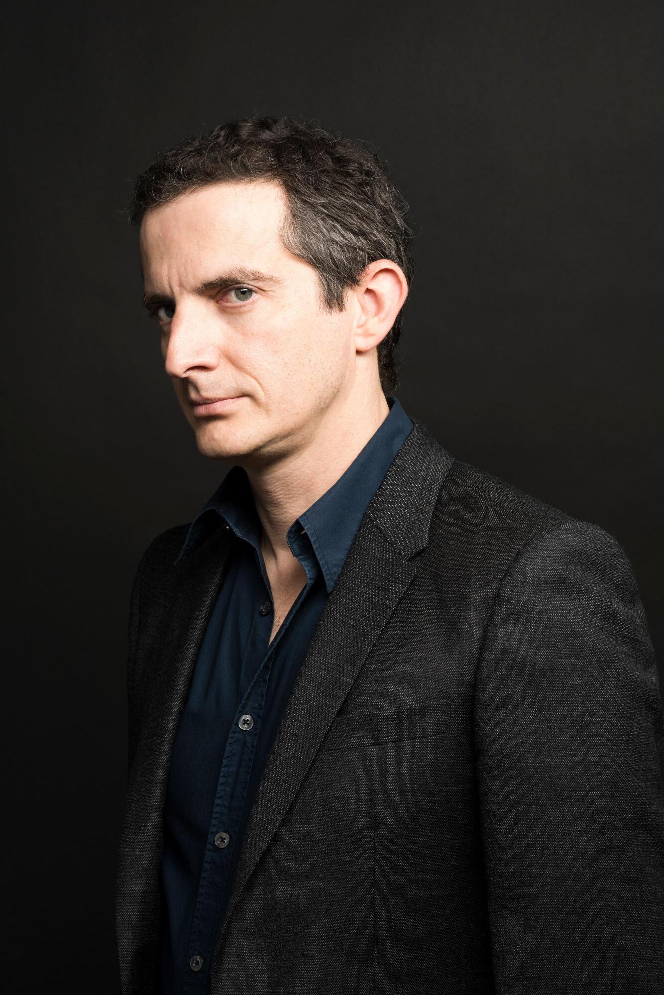 Portrait de l'écrivain Mathieu Ménégaux.