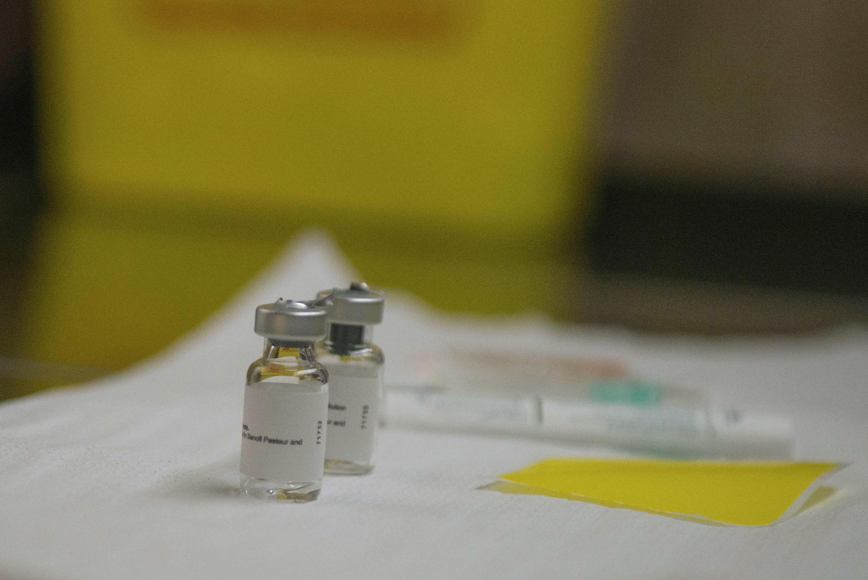 Le vaccin ne contient pas de véritables «morceaux» du VIH mais un produit qu'on appelle biogénétique qui ne peut infecter la personne vaccinée.