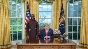 Rais wa Marekani Donald Trump alipokutana na Mwalimu bora duniani, Mkenya Peter Tabichi