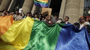 Giới đồng tính hoan nghênh Nghị Viện Thành phố Mêhicô thông qua luật cho phép hôn nhân đồng tính ngày 21/12/2009