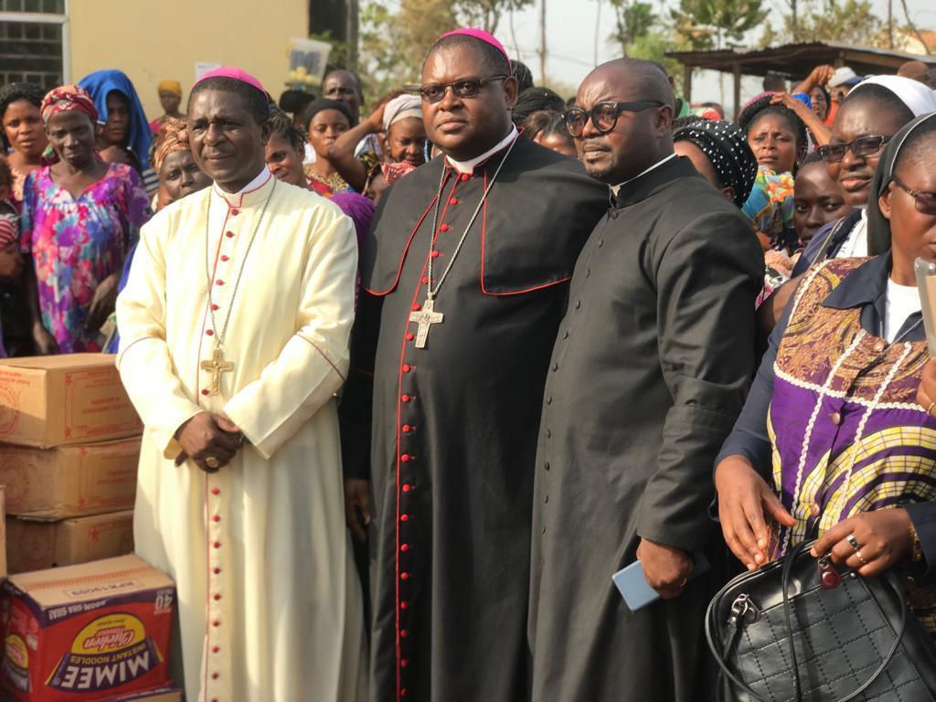 Bishop Bibi (centre) during a recent visit to Ogoja refugee camp in Cross River state, Nigeria where thousands of Cameroonian Anglophones have sought refuge.