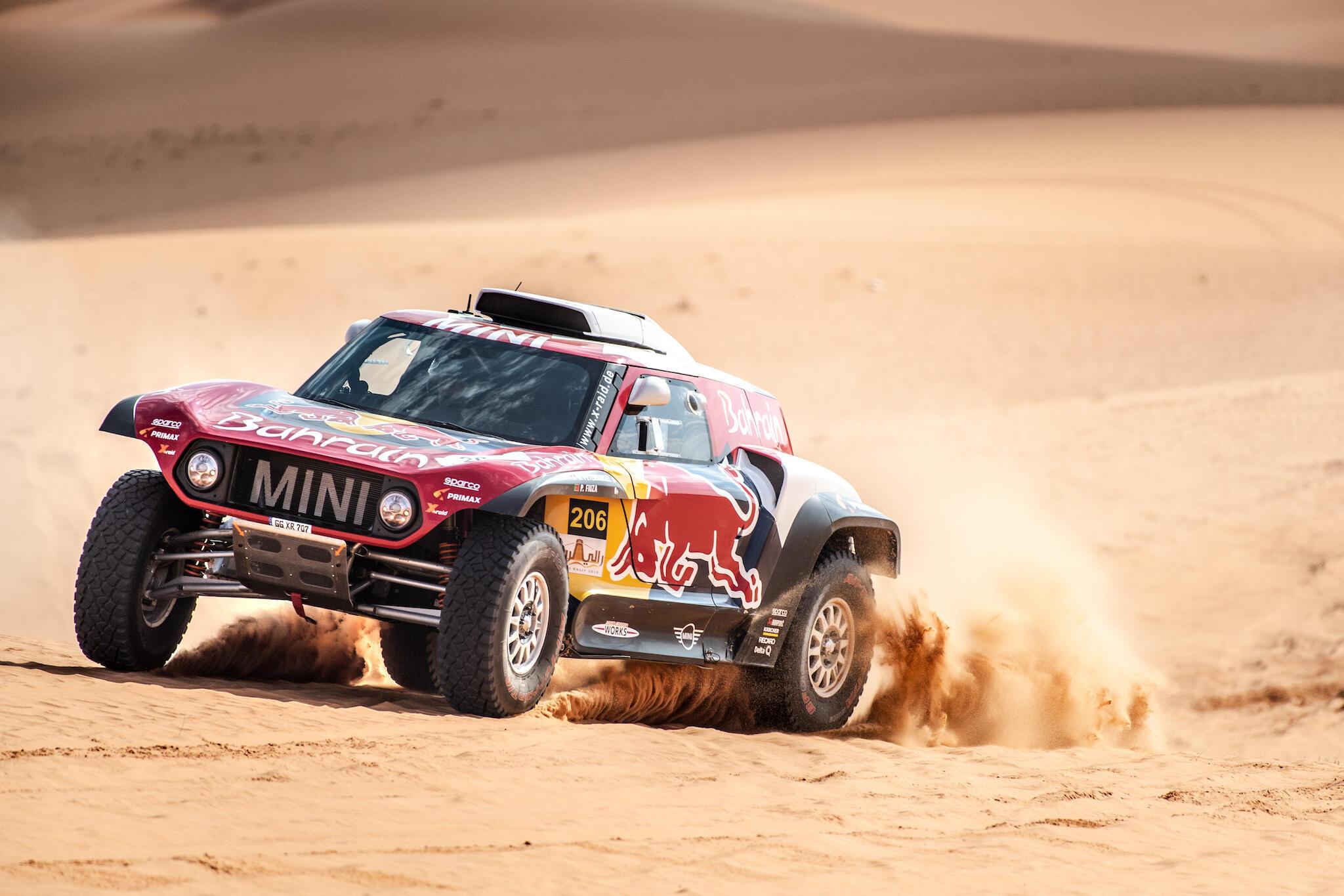 Stéphane Peterhansel e Paulo Fiúza estão entre os favoritos ao título no Rali Dakar.