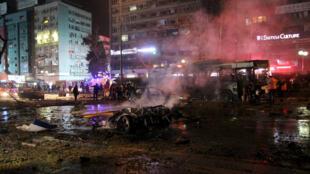 A praça Kizilay, de Ancara, local da explosão de um carro-bomba neste domingo, 13 de março de 2016.