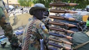 Un soldat sud-soudanais à Malakal, à 500 km au nord-est de Juba, le lundi 30 décembre.