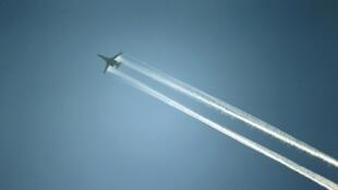 Un avion de la coalition au-dessus de Kobane, en Syrie.