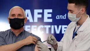États-Unis - Covid-19 - Coronavirus - Mike Pence Vaccin