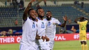 Les congolais célèbrent le quatrième but de la rencontre inscrit par Britt Assombalonga.
