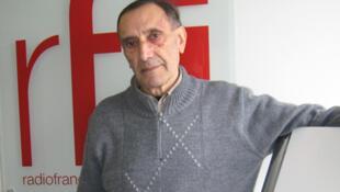 Gregorio Manzur en los estudios de RFI.