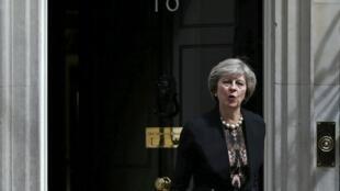 A ministra do Interior, Theresa May, pode se tornar a nova moradora do número 10 da Downing Street em Londres.