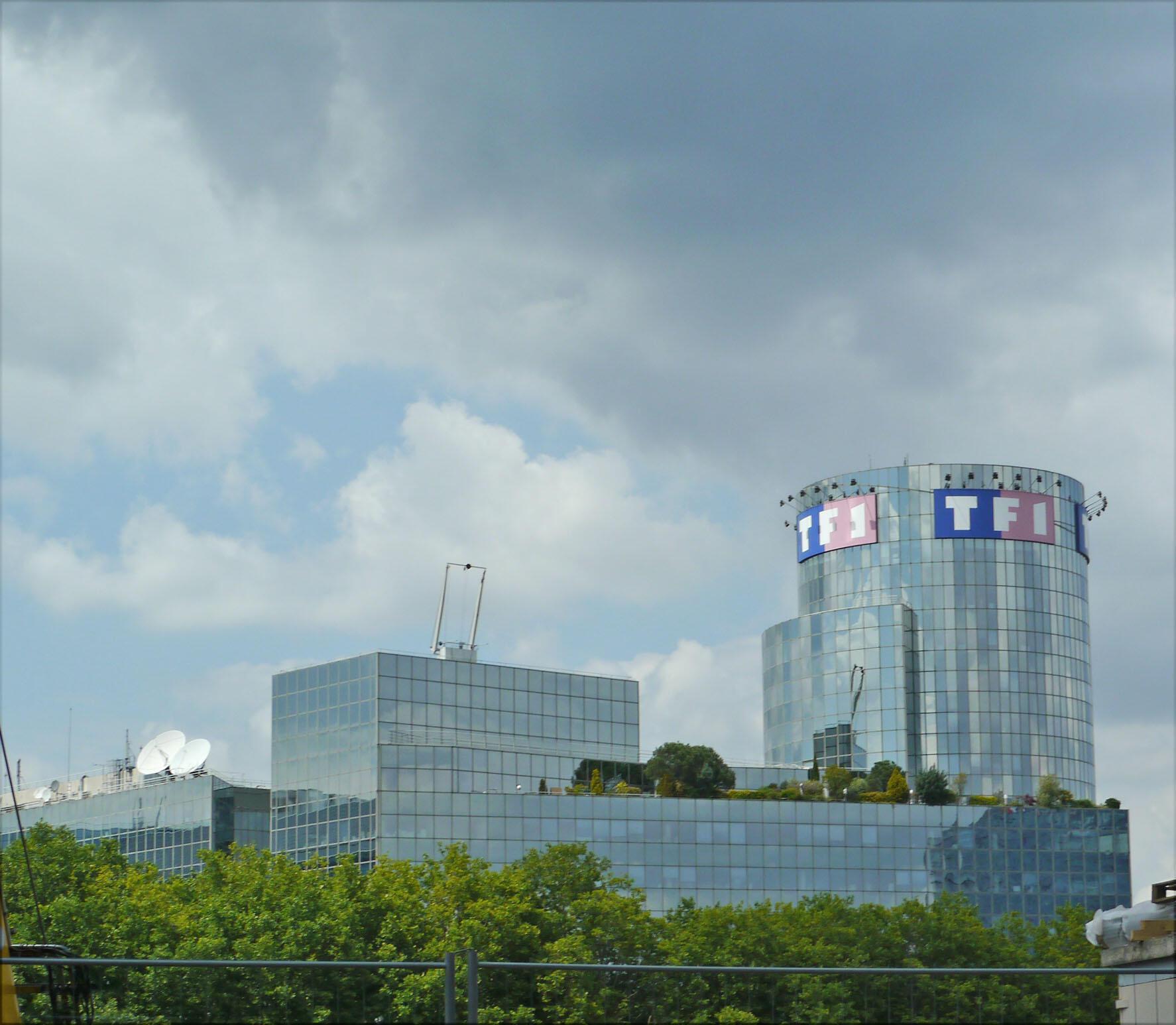 Tòa nhà trụ sở của kênh truyền hình TF1 tại Boulogne-Billancourt, ngoại ô Paris.