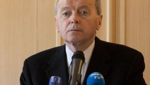 Le défenseur des droits Jacques Toubon, lors de sa conférence de presse dédiée à l'état d'urgence, vendredi 26 février 2016 à Paris.