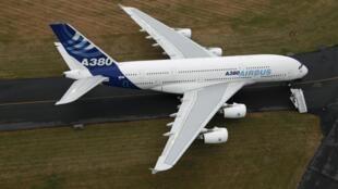 Airbus A380 в Ле Бурже