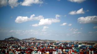 Cảng Dương Sơn, nằm trong khu vực tự do mậu dịch Thượng Hải