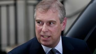 O discreto príncipe Andrew, de 53 anos.