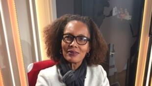 Portrait de la romancière haïtienne Yanick Lahens, en studio à Rfi (mars 2018).